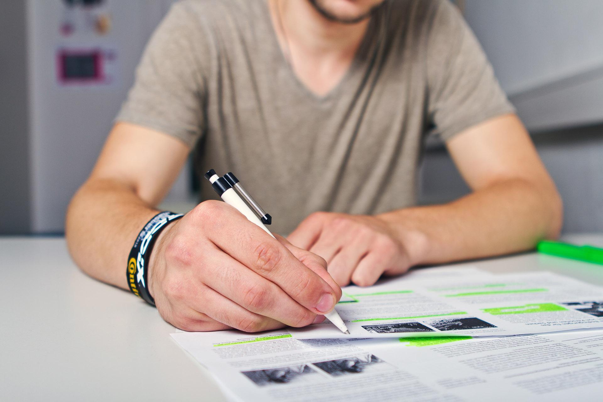 bildungsg nge die zum hauptschulabschluss nach klasse 10 f hren berufskolleg berliner platz. Black Bedroom Furniture Sets. Home Design Ideas